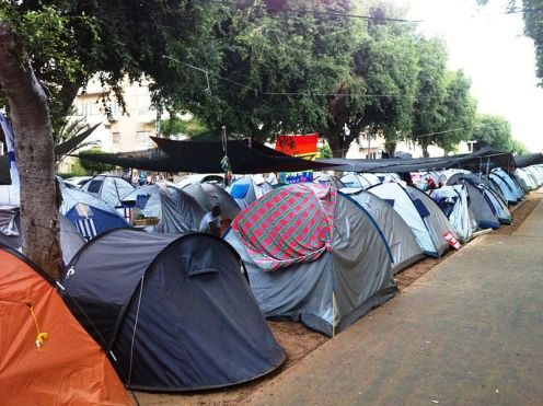800px-Real_Estate_Protest_in_Tel_Aviv_25.7.2011_1